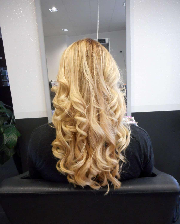 blonde von hinten