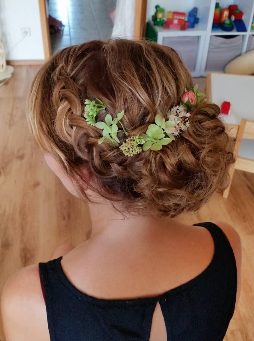 Hochzeits Styling Brautfrisur Und Make Up 24 Stunden Haltbar