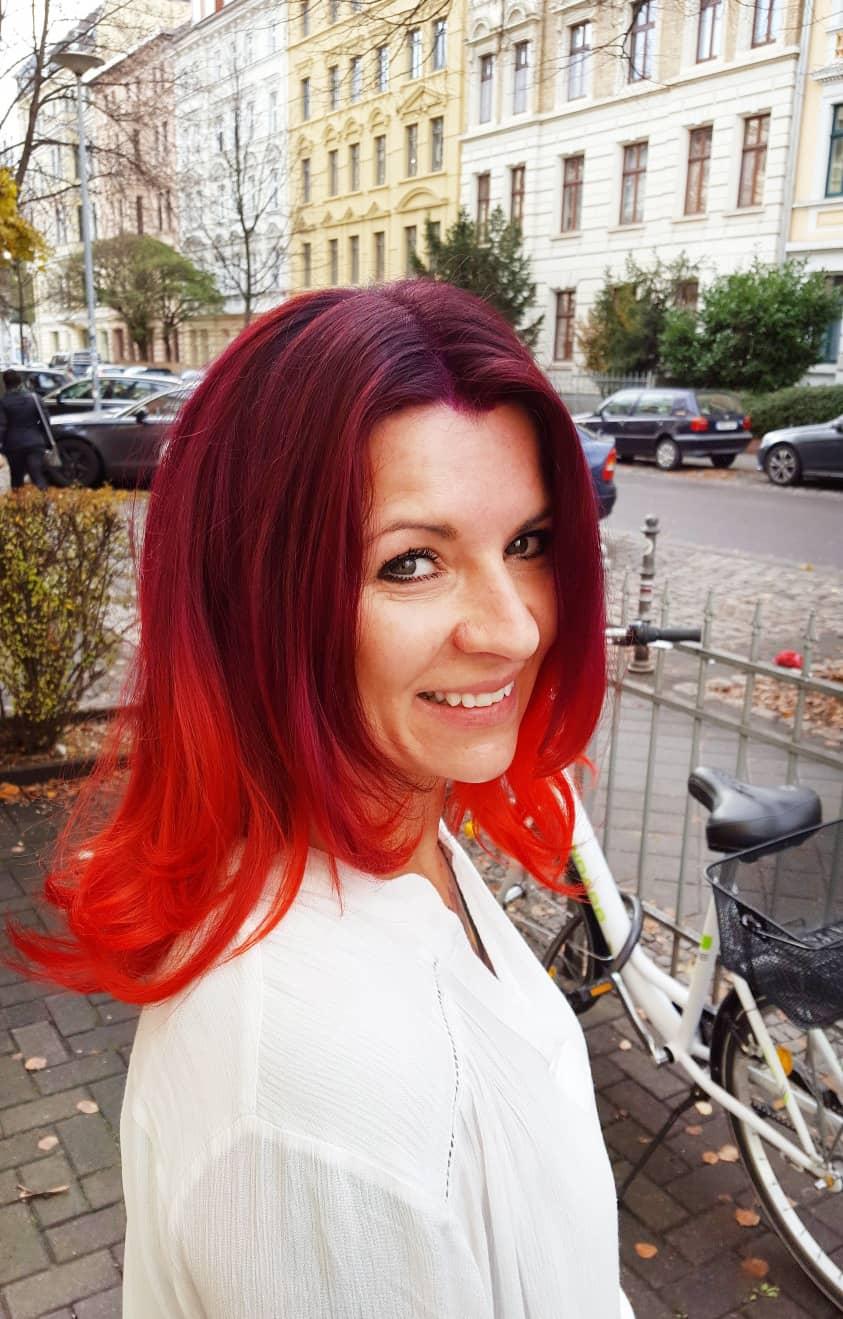 Nicole aus Steutz glücklich nach ihrem POPHAIR-Besuch