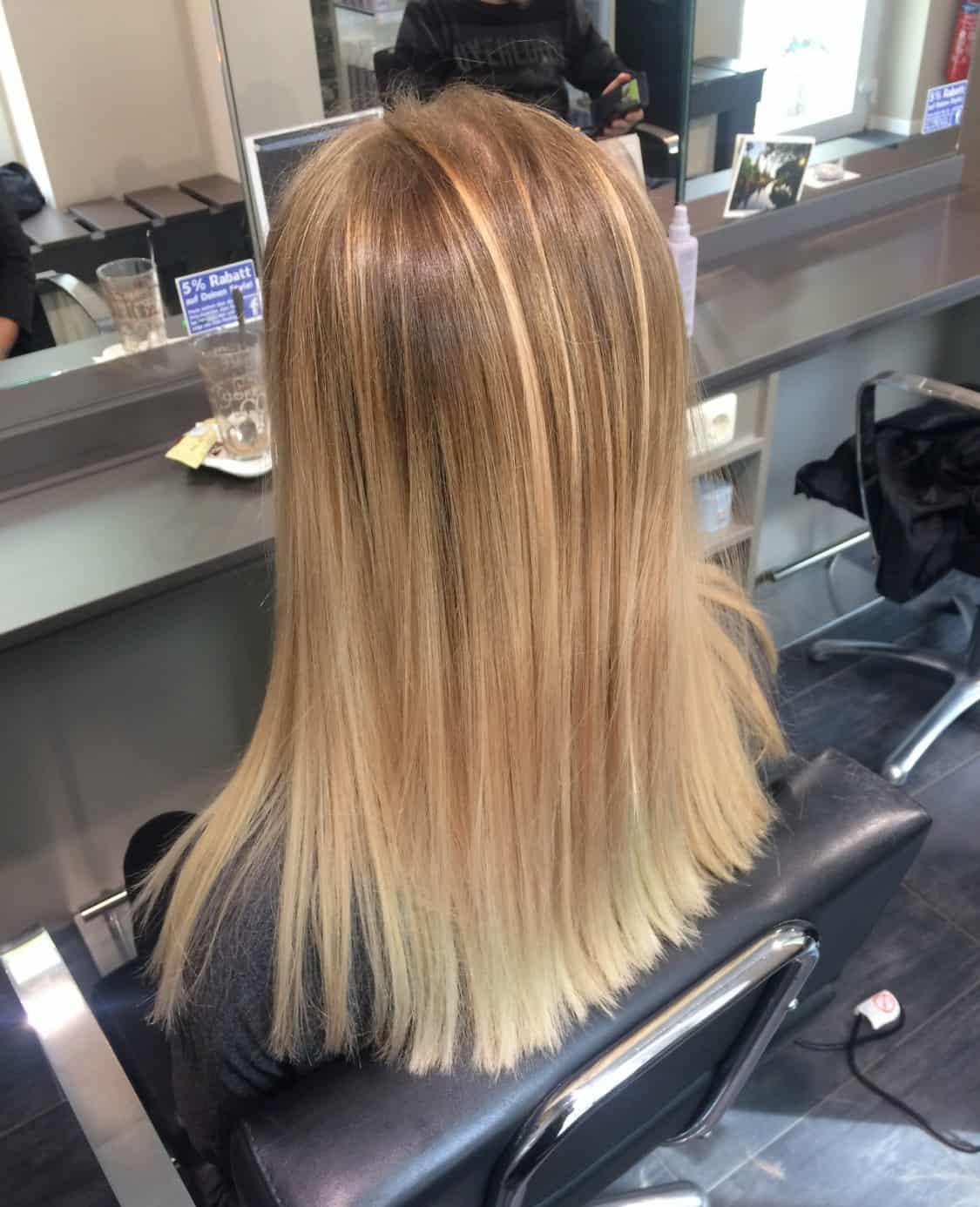 Jessy-mit-neuem-Blond-im-Haar
