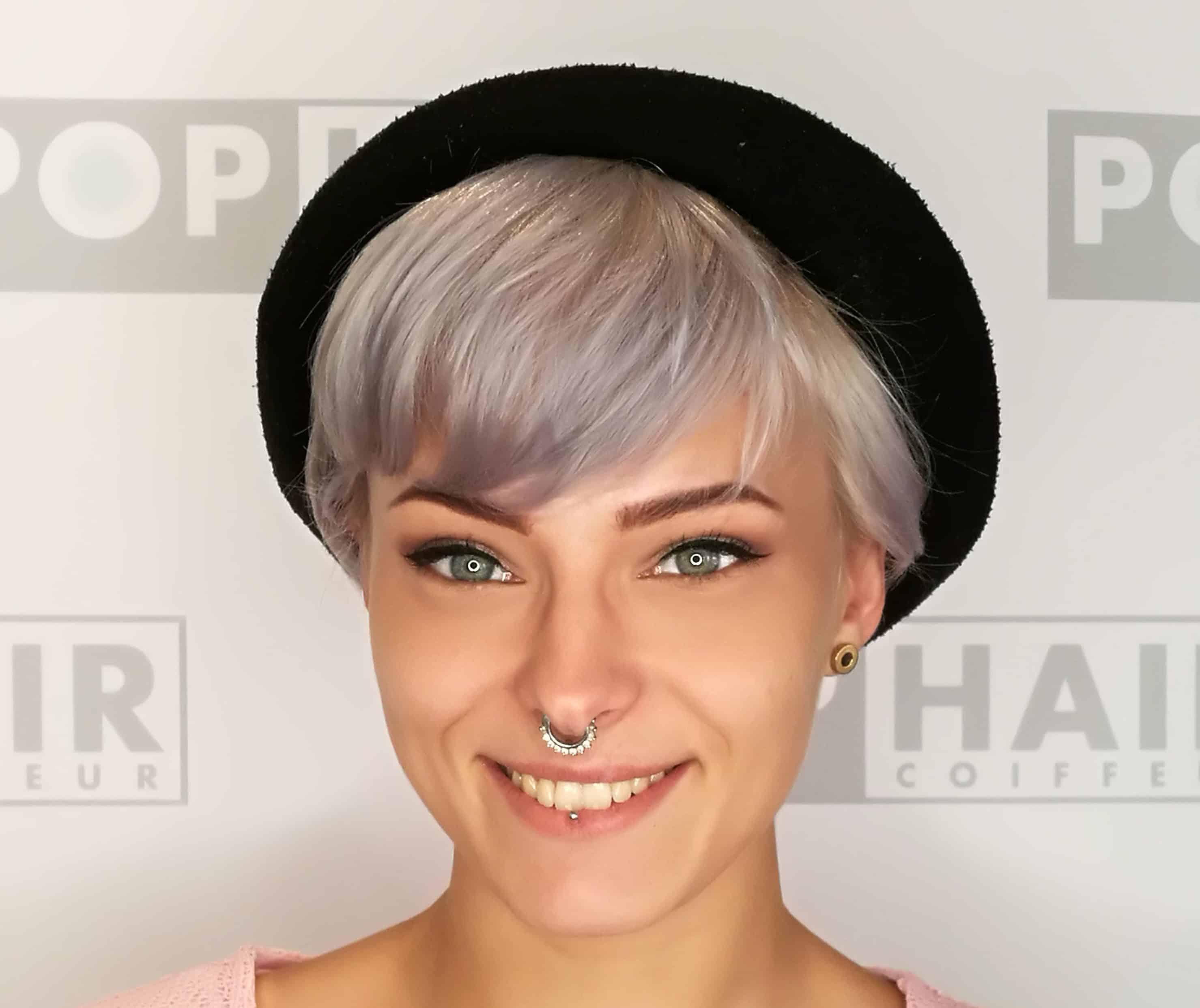 Friseurin Denise Klein