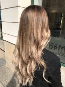 Balayage-in-Dunkelblond-scaled-219x293