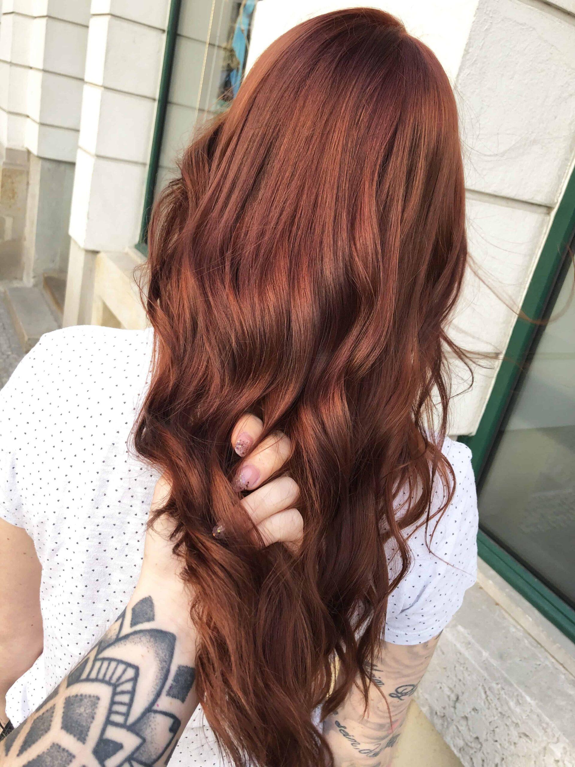 Lisas-neue-Haarfarbe-scaled