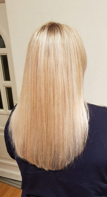 Strahlendes-Blond-scaled-448x820