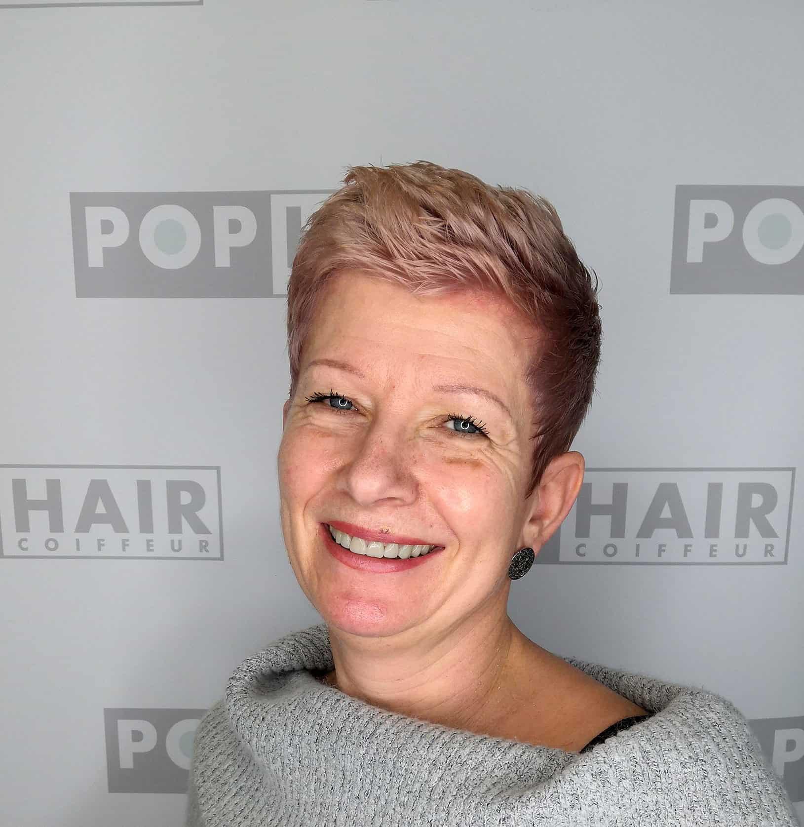 सिल्विया-खुश-के-बारे-उसके-नए-बाल-रंग-1-e1551432167380