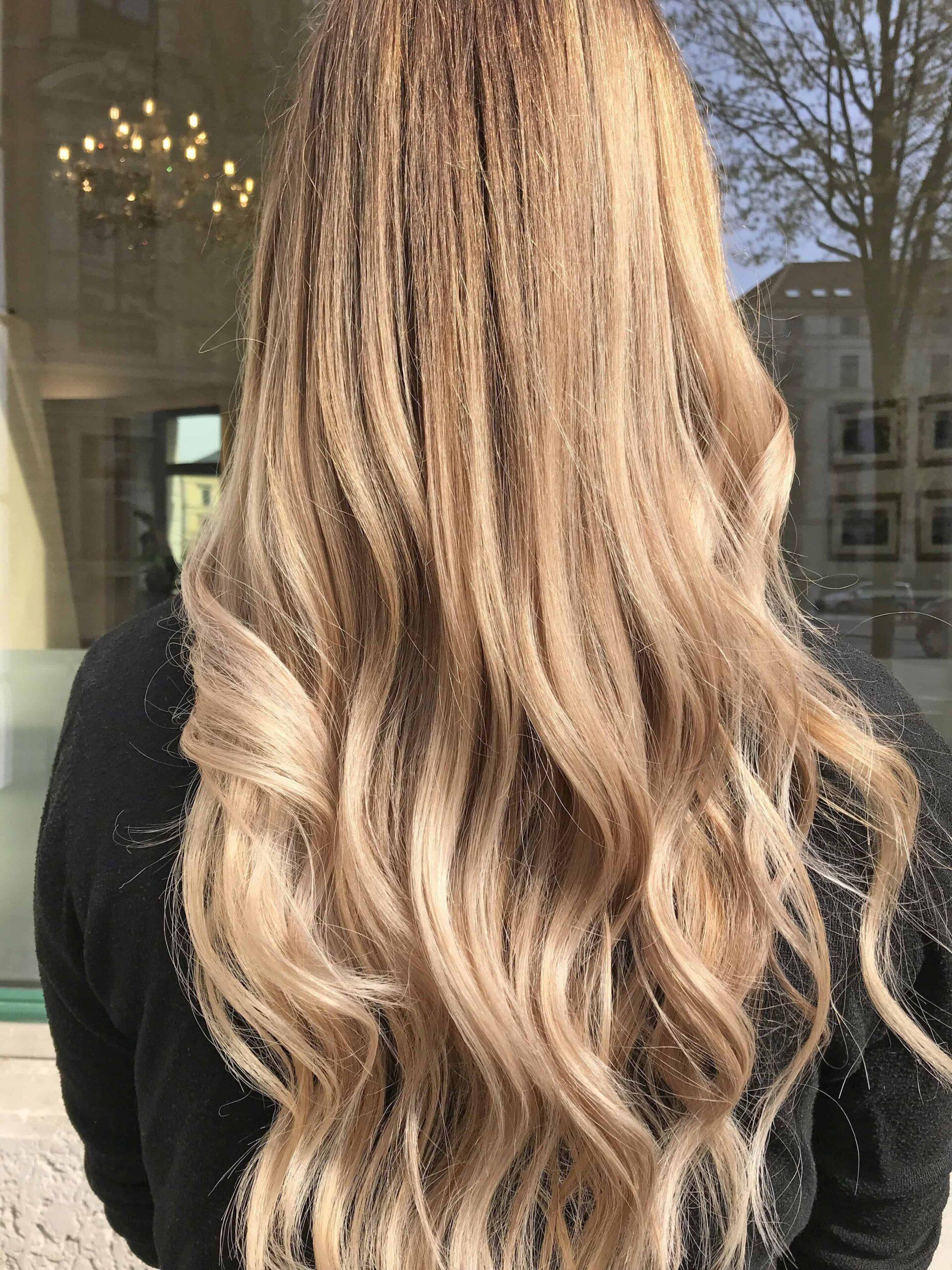 Dunkelblond mit blonden strähnchen | dunkelblonde haare