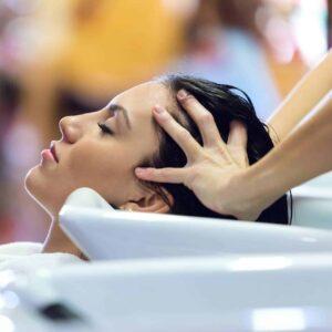 Kopfmassage für Entspannung und mehr Haarwachstum