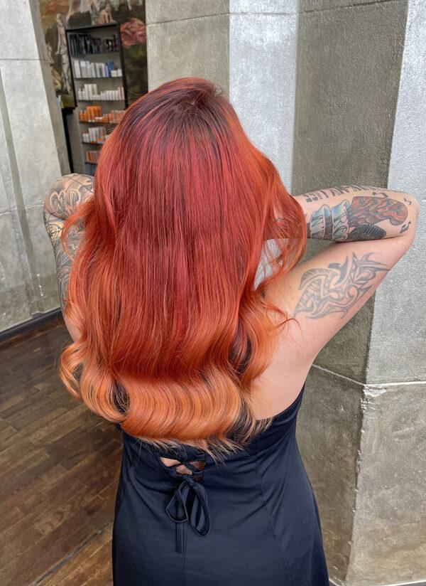आग-लाल-देवियों-बाल-600x824
